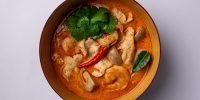 33 - Том Ям с кокосовым молоком, креветками и цыпленком
