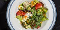 salat-so-strachatelloj-baklazhanom-cukini-i-tomatom2.jpg